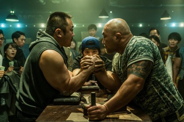 韓国映画『ファイティン!』あらすじと感想。マ・ドンソク代表作と豪腕の魅力とは